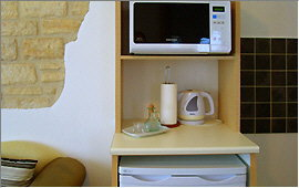 Mikrowelle und Kühlschrank